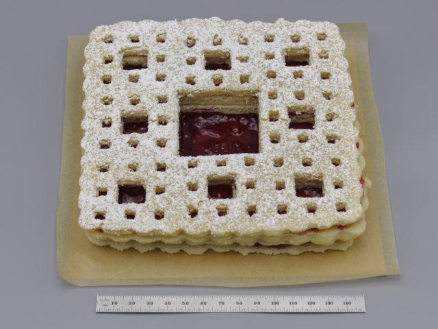 Photo of a Sierpiński carpet Linzer cookie