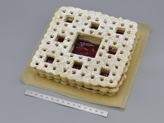 Photo of a Sierpiński carpet Linzer cookie